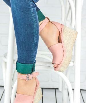 Günümüzün En Moda Renklerini Yansıtan Somon Rengi Ayakkabı Modelleri