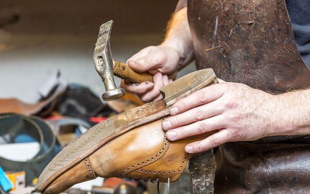 Ayakkabı Kırılması Nasıl Tamir Edilir?